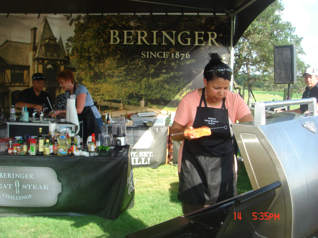 Beringer 5 (Davon putting steak grill)