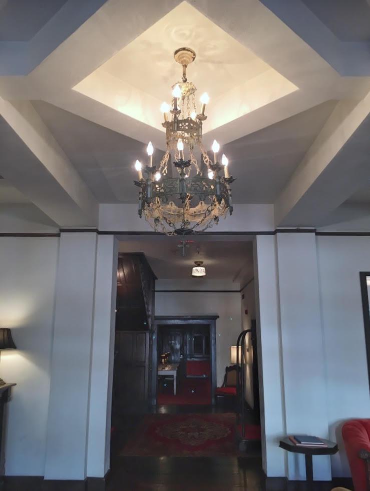 Hotel Havana (lobby ceiling)